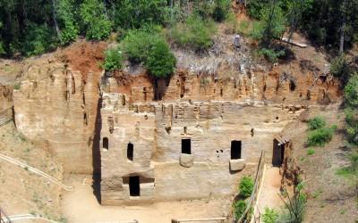 Necropoli delle grotte, Populonia
